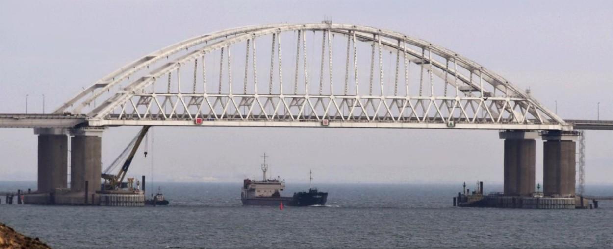 """Russia-Ucraina, Kiev approva la legge marziale per 30 giorni: """"Mosca minaccia l'invasione di Mariupol e Berdyansk"""""""