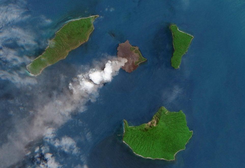 Tsunami in Indonesia: l'eruzione del vulcano Krakatoa che ha scatenato l'onda