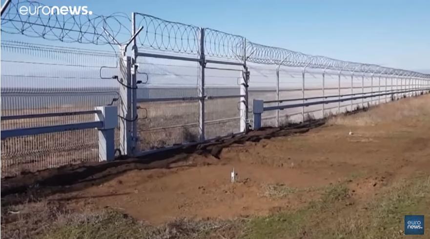 Mosca innalza barriera tra Crimea e Ucraina