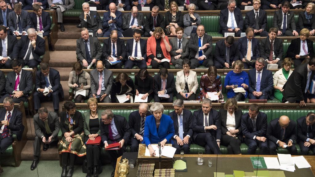 Brexit, May supera il voto di fiducia alla Camera dei Comuni