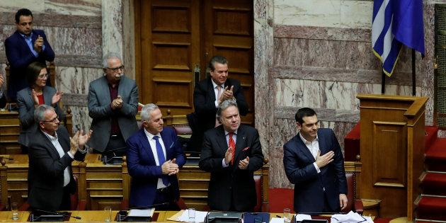 Parlamento greco approva accordo su modifica nome Macedonia