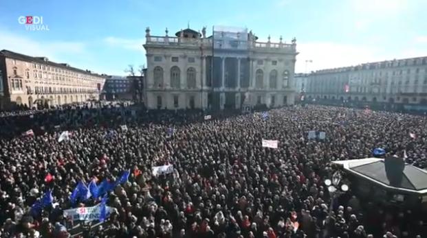 I sì Tav tornano in piazza a Torino: flash mob per sostenere l'opera