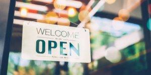 Intesa Lega-M5S: negozi aperti per 26 domeniche l'anno e 4 festività