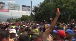 Venezuela: represse nel sangue le proteste per gli aiuti