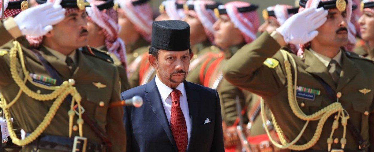 Brunei, nuovo Codice Penale: lapidazione per gay e adulteri e taglio di mano e piede per i ladri.