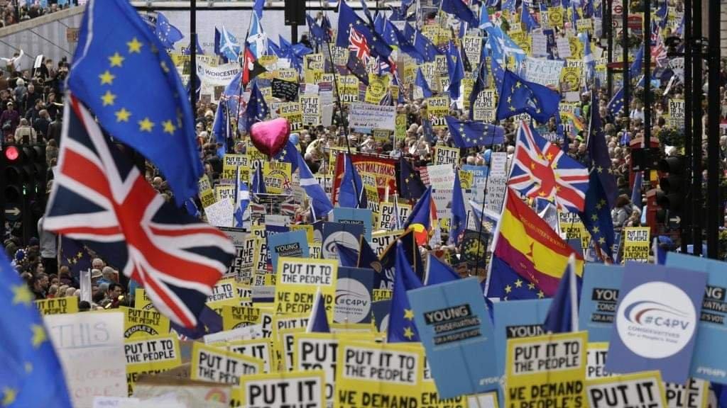Brexit, un milione di persone in marcia a Londra per un nuovo referendum sull'uscita dall'Ue
