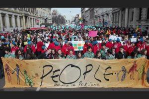 """Milano, la marcia antirazzista è una festa per 250mila persone. Sala: """"Un'altra Italia è possibile"""""""