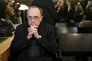 Pedofilia, condannato il cardinale Barbarin: non denunciò abusi sessuali nei campi scout