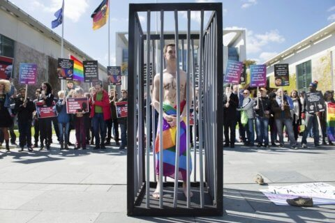 "Cecenia, parlano 4 vittime sopravvissute all'omocausto: ""torturati, stuprati, umiliati"""