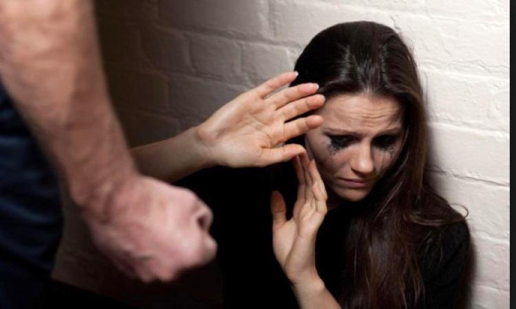 Violenza sulle donne, il codice rosso è legge: c'è il sì del Senato