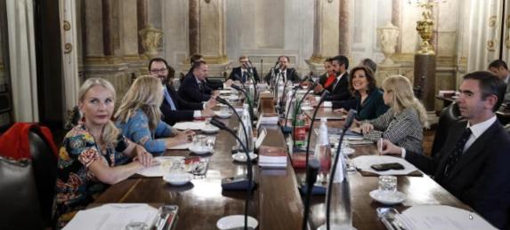 Crisi di governo, Capigruppo Senato non decide. Parola all'Aula