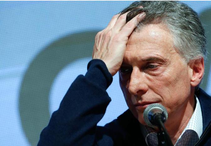 Argentina, sconfitta Macri. Dollaro +34% e borsa giù del 31%