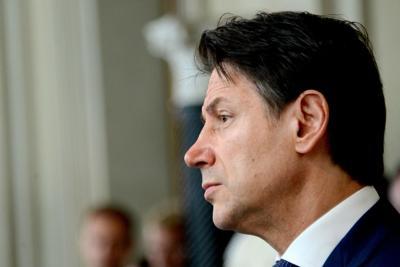 "Conte ammonisce Renzi: ""Basta o è crisi"""