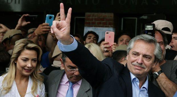 Elezioni Argentina, Macri sconfitto: il peronismo torna al potere con Fernandez