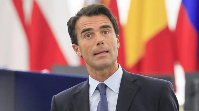 Gozi si dimette dall'incarico di consulente del premier francese