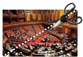 Riduzione parlamentari, anche la Camera dice sì. Ma incombe lo spettro del referendum