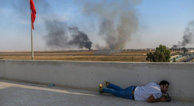 Siria, scontro tra Erdogan e la Ue: «Posso mandarvi milioni di profughi»