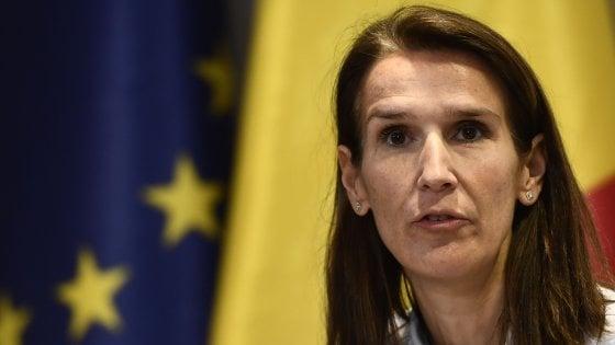 Belgio, si insedia Sophie Wilmès: è la prima donna premier in 189 anni.