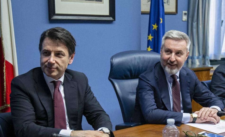 L'Italia aderisce al progetto di Macron sulla Difesa, ma Guerini mette i paletti