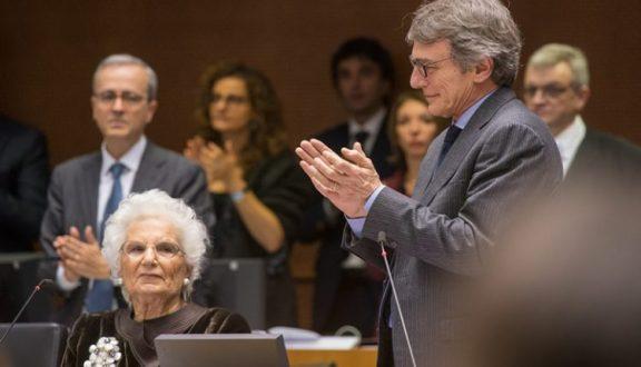 Parlamento Ue, applausi e ovazioni per Liliana Segre