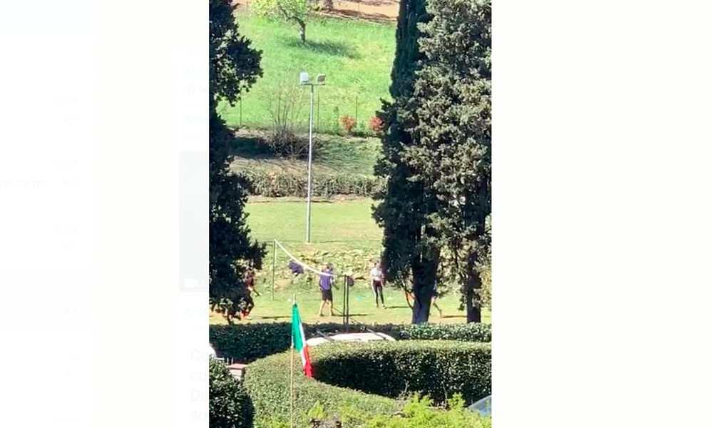Coronavirus, la famiglia di Renzi filmata in giardino
