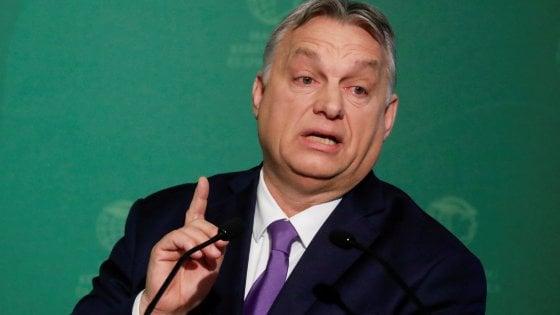 Ungheria, la stretta di Orbán contro i transgender