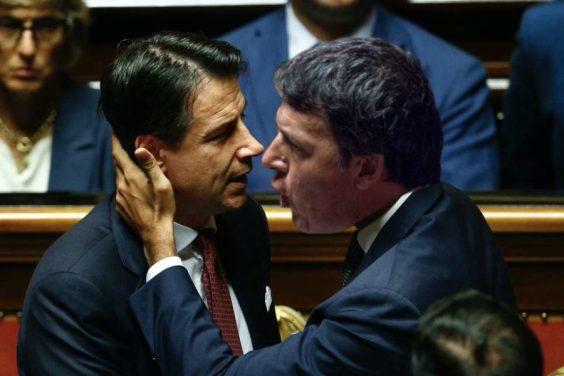 Migranti, Renzi vince e scoppia la pace con Conte: grillini furiosi