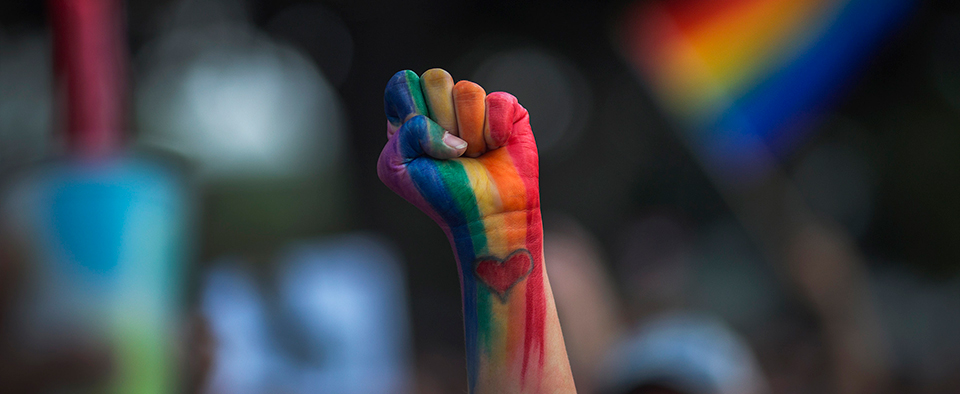 Svizzera vara legge anti-omofobia