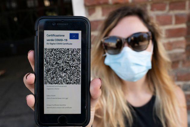 Green pass, l'Italia chiude ai non vaccinati